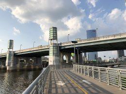 Philadelphia's South Street Bridge. Looking northwest. Credit: li2nmd via Wikipedia