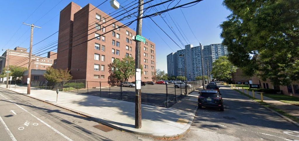 Site of the facility proposed at 3800 Powelton Avenue. Looking southeast from Powelton and Sloan streets. Credit: Google